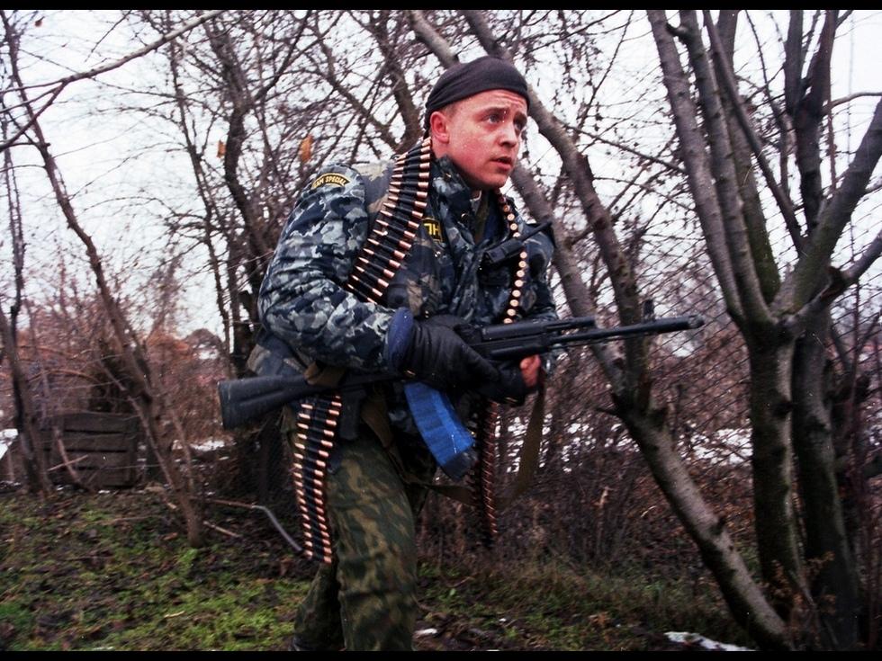 Картинки по запросу Автомат калашникова в бою